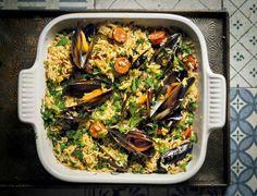 Rys is 'n goedkoop en lekker manier om 'n klomp mense kos te gee. My Recipes, Recipies, Seafood, Salads, Pasta, Snacks, Cooking, African, Recipes