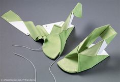 Origami'esque Shoes that Fold Flat & Unfold in Time for Footwear Emergencies
