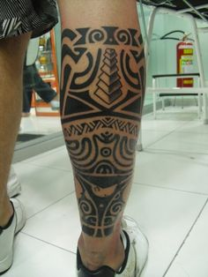 Tribal Maori Tattoo On Leg - pictures, photos, images