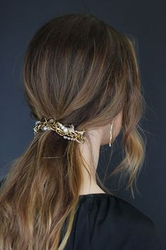 Lulu Frost | In Depth | HOW-TO: Spring Hair Tricks weaving Kinship Pearl Bracelet into a simple pony