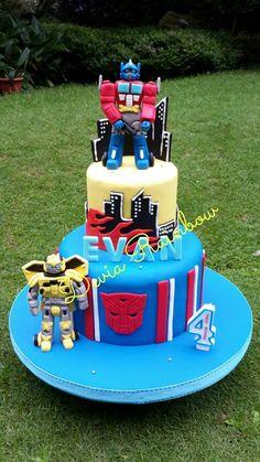 Transformer cake Transformer Birthday, Transformer Cake, Pretty Cakes, Cute Cakes, Rescue Bots Cake, Thomas Cakes, Ballerina Cakes, Different Cakes, Character Cakes