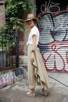 Save Khaki t-shirt, Rosie Assoulin pants, Charlotte Olympia heels, Janessa Leone hat