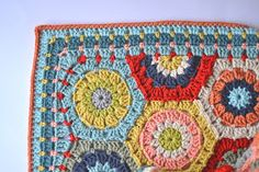 I've had a few people, well actually more than a few ask me about the border on my hexie blanket....most of you that hang around here will...