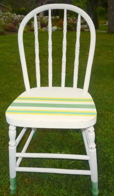 DIY chalk paint and craft paint used for dipped looking chair legs and preppy coastal striped seat with distressing and aging, full tutorial at thehappyhousie