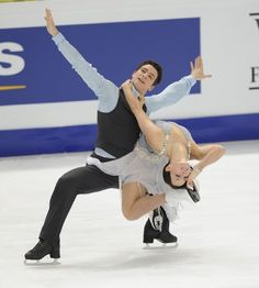 Canadians Tessa Virtue and Scott Moir went through their routine in the practice session prior to the ice dance short program at the 2011 World Figure Skating Championships in Moscow, Russia.