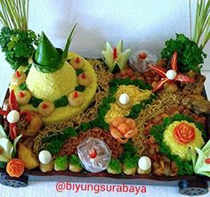 Nasi Kotak Surabaya, Nasi Kotak Kuning, Tumpeng Nasi Kuning , Jasa Catering Surabaya: Nasi Tumpeng Surabaya