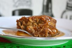 stickytoffeepudding http://www.smittenbybritain.com/how-to-make-sticky-toffee-pudding/