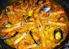 "El Mundo de Pepe Hermano: RECETARIO ""COCINILLAS"" (II) ARROZ A BANDA Pescatarian Diet, Best Dinner Recipes, Easy Recipes, Small Meals, Food Decoration, Entrees, Sushi, Roast, Food And Drink"