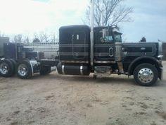 Peterbilt 359, Peterbilt Trucks, Cool Trucks, Big Trucks, Antique Trucks, Heavy Truck, Classic Trucks, Semi Trucks, Rigs