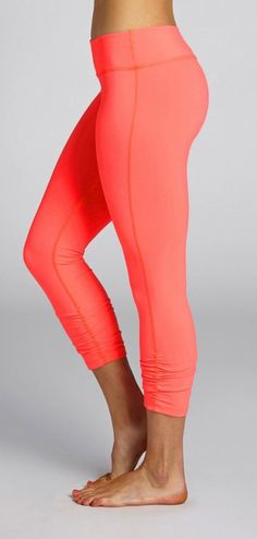 BEYOND YOGA Essential Gathered Leggings in Coral Fusion