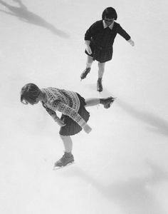 martin-munkacsi- the-portrait-in-action- skaters
