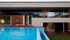 Moradia com piscina maravilhosa. https://www.homify.pt/livros_de_ideias/327960/moradia-com-piscina-maravilhosa
