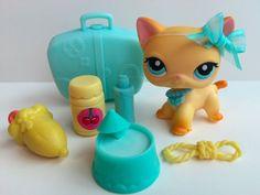 Littlest Pet Shop RARE Raceabout Ranch Cat #339 w/Luggage & Accessories #Hasbro