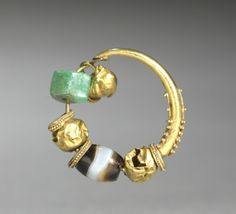 Earring, 400s BC Cyprus, 5th Century BC gold and agate