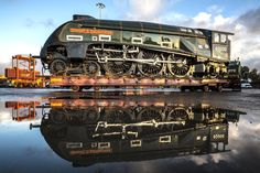 Two sister locomotives of Mallard, the steam engine that set the world speed record in arrived back in Britain yesterday morning after spending 50 years in north America, to take part in a Heritage Train, Heritage Railway, Canadian National Railway, National Railway Museum, Diesel Locomotive, Steam Locomotive, Old Steam Train, Steam Railway, British Rail