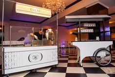Donut Cart at a #Cescaphe Wedding. #Vie