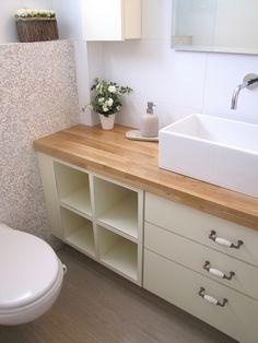 עיצוב פנים - חדרי רחצה Contemporary Bathrooms, Powder Room, Small Bathroom, Kitchen Design, Sweet Home, House Design, Toilets, Storage, House Styles