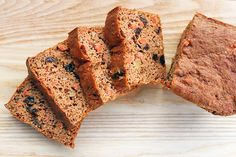 FlapJacked Carrot Cake Bread Taste the delicious flavors of carrot cake in the form of a simple protein and fiber-packed quick bread. This recipe can also be made into muffins, which are perfect for weekday breakfasts on-the-go. 125 calories   7.5g protein   16g net carbs