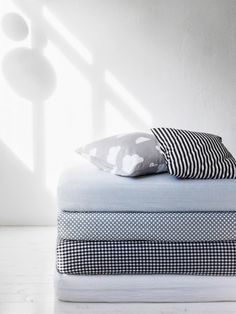 bed sheets mattresses covers in gray, black&white