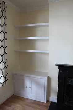 Alcove bookshelves with cupboard Alcove Storage Living Room, Alcove Desk, Bedroom Alcove, Alcove Cupboards, Living Room Shelves, Home Living Room, Shelf Ideas For Living Room, Alcove Wardrobe, Master Bedroom