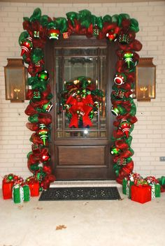 558 Desirable Christmas Doors Wreaths Balls Images In 2019