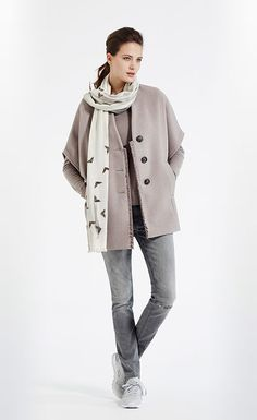 Ruime mantel met aangesneden mouw #Polyester #Viscose #Jacket #XandresAW16 #Autumn #NewArrivals #FallCollection #AW16 #Xandres