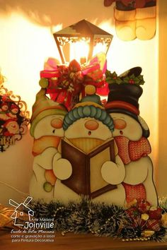Could use a solar light with terra cotta pot as base. Christmas Yard Art, Christmas Wood Crafts, Snowman Crafts, 1st Christmas, Country Christmas, Christmas Snowman, Christmas Projects, All Things Christmas, Holiday Crafts