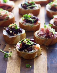 This Goat Cheese and Prosciutto Crostini Recipe Will Take You to Finger-Food Heaven
