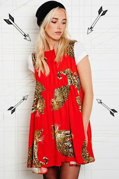 We are crrrrazy for this AWESOME 'King of the Jungle' dress from MINK PINK; NEW in at Urban Outfitters...    http://www.urbanoutfitters.co.uk/minkpink-king-of-the-jungle-dress/invt/5139409330087/