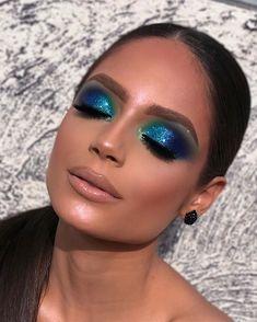 makeup for beginners Cute Makeup, Glam Makeup, Gorgeous Makeup, Pretty Makeup, Skin Makeup, Makeup Inspo, Makeup Eyeshadow, Makeup Inspiration, Blue Eyeshadow