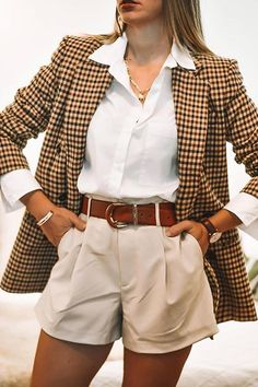 Plaid blazer, an incredibly versatile piece that goes with anything from a crisp white button-down to a slouchy graphic tee. And it's even perfect under a warm coat?during the winter months ahead. All these reasons and more are why we'll continue . Look Blazer, Plaid Blazer, Casual Blazer, Dress With Blazer, Cute Blazer Outfits, Fall Blazer, Oversized Blazer, Fall Fashion Outfits, Look Fashion