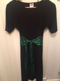 Gorgeous-Leona-Edmiston-dress-with-green-print-sash-tie-size-2-fit-10-12