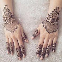 Best Hand Mehndi/Henna Designs for Eid Wrist Henna, Tatoo Henna, Finger Henna, Henna Tattoo Designs, Henna Art, Hena Designs, Arabic Bridal Mehndi Designs, Modern Mehndi Designs, Mehndi Designs For Fingers