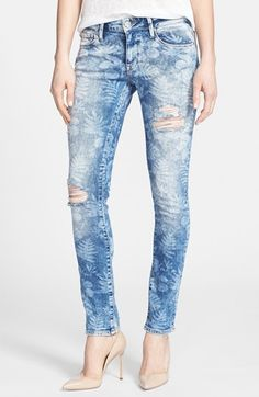 Mavi Jeans 'Alexa Vintage' Distressed Stretch Skinny Jeans (Artist Vintage) by Assorted on Jeans Fit, Jeans Style, Denim Jeans, Denim Outfit For Women, Printed Denim, Denim Trends, Denim Fabric, Distressed Skinny Jeans, Girls Jeans