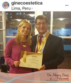 Bella #lavatilovers la Dra Maryory Gómez de @ginecoestetica usando nuestros accesorios en su Congreso en Perú! ❤️👏🏻❤️