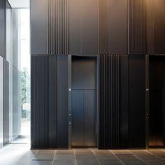 押出成形セメント板「アスロック」|施工例 |株式会社ノザワ Interior Design Awards, Lobby Interior, Interior Walls, Modern Interior, Interior Architecture, Elevator Lobby Design, Lift Design, Design Design, House Design