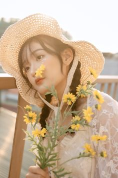 Human Poses Reference, Pose Reference Photo, Photo Book, Photo Art, Girls With Cameras, Photoshoot Concept, Portrait Inspiration, Ulzzang Girl, Aesthetic Girl