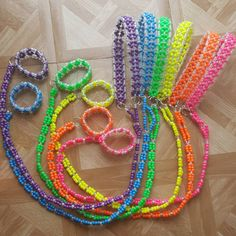 This kandi leash is made with rainbow and clear pony beads. Rave Bracelets, Pony Bead Bracelets, Pony Beads, Rainbow Loom Bands, Rainbow Loom Bracelets, Rainbow Loom Charms, Friendship Bracelets With Beads, Friendship Bracelet Patterns, Pony Bead Crafts