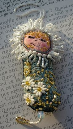 Daisy Dotee doll By Boxoftrix Yvonne Moxon I wonder if this could be made into a flash drive cover. :)