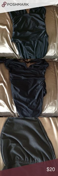 Old Navy swimsuit XL NWT Cute one piece swimsuit. Not padded. No underwire. New Old Navy Swim One Pieces