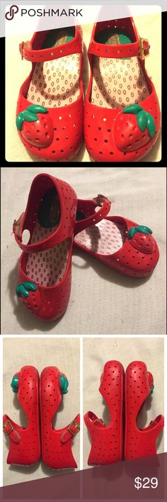 Mini Melissa kids shoes Pre-loved Mini Melissa brand strawberry shoes. Girls size 9. Super cute and great for warm weather! Rubber/jelly material. EXCELLENT USED CONDITION! Velcro closure. NO TRADES! Mini Melissa Shoes