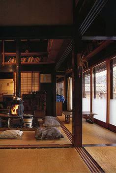Japanese farmhouse interior with wood stove to replace original irori - lo res   Flickr - Photo Sharing!❤️