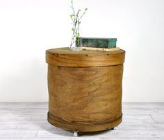 Vintage Cheese Box - Table.