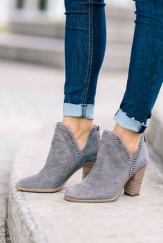 Ankle boots designed for women are quite stylish and convenient compared to high boots. Stilettos, Pumps, Women's Heels, Gray Heels, High Heels, Suede Heels, Black Shoes, Crazy Shoes, Me Too Shoes