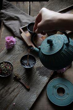 Nourishing raspberry leaf tea recipe with nettles, rose hips, hibiscus, and orange peel  ~M
