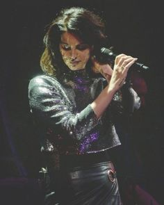 Lana performing at 'Little Caesars Arena', Detroit, Michigan (Jan. 17, 2018)