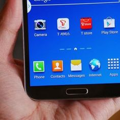 Do we really need curved devices like the Samsung Galaxy Round? Personally I think it is too early