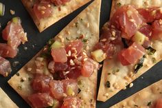 Ahi Tuna Poke Recipe - been craving soo bad since coming home from hawaii! Going to make tomarrow ; One Bite Appetizers, New Years Appetizers, Cold Appetizers, Appetizers For Party, Appetizer Recipes, Healthy Appetizers, Tapas, Mini Sandwiches, Seafood Recipes