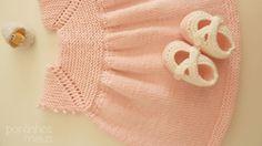 Um vestido amoroso que fiz para uma encomenda.  É feito em tricô com lã portuguesa 100% merino ( Rosários 4 - Merino...