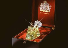 $215,000 Luxury Scent: Imperial Majesty Perfume With Diamonds & Gold
